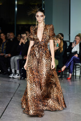 Naeem Khan Fall 2020 Evening Wear Look 10