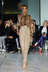 Naeem Khan Fall 2020 Evening Wear Look 9