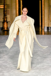 Christian Siriano Fall 2021 Evening Wear Look 1