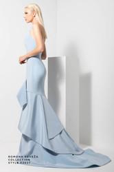 Romona Keveza Evening Wear Look 3