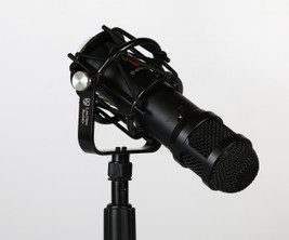Lauten Audio - LS-208 Front-address large diaphragm condenser microphone