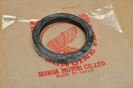 NOS Honda CA95 CA72 CA77 CA160 CB92 Front Wheel Hub Oil Seal 91251-250-000