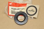 NOS Honda 1986-87 TRX350 1987-89 TRX350D Steering Shaft Oil Dust Seal 91259-HA7-671
