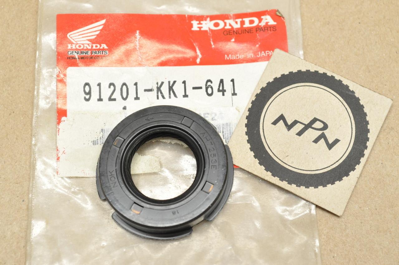 NOS Honda 1984-87 XL250 1985 XR200 R 1985-96 XR250 Counter Shaft Oil Seal  91201-KK1-641