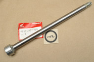 NOS Honda 1981-84 XL125 1981-83 XL185 Rear Wheel Axle 42301-437-710