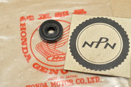 NOS Honda CB175 CB350 CB400 CB750 CL175 CL350 GL1000 Gold Wing MT250 SL350 XL250 XL350 Oil Seal 91256-096-651