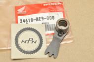 NOS Honda 1984-85 VT700 C 1983 VT750 Shadow Gear Shift Arm B 24618-ME9-000