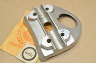 NOS Honda CA72 CA77 Lower Handle Bar Holder Bottom Clamp 53132-271-000