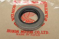 NOS Honda CA72 CA77 CL72 CL77 Rear Wheel Drive Flange Dust Seal 91253-250-000