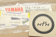 NOS Yamaha AT2 CT2 DT175 IT125 MX125 MX175 TY175 TY250 YZ100 YZ80 Air Adjusting Screw Spring 174-14134-00