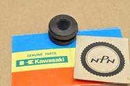 NOS Kawasaki A1 A7 F4 F6 F7 G3 H1 KDX200 KDX250 KH500 KLF300 KLT250 KZ1000 Tank Front Rubber Damper 92075-013
