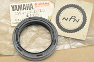 NOS Yamaha FZR600 IT175 IT250 IT465 XJ600 XJ700 XV1100 XV700 YZ125 YZ250 YZ400 Fork Tube Oil Seal 1W4-23145-L0