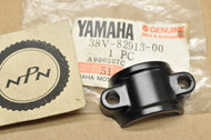 NOS Yamaha IT200 TY350 TT225 TT600 WR250 YFM225 YFS200 YZ125 YZ250 YZ490 YZ80 Lever Lower Holder 38V-82913-00