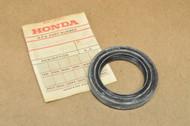 NOS Honda GL1000 Gold Wing Final Driven Rear End Gear Oil Seal 91263-371-006