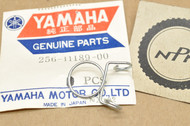 NOS Yamaha TT250 TT600 TX500 TX650 XJ700 XS1 XS1100 XS2 XS750 XS850 XT350 XT600 Clip Clamp 256-11189-00