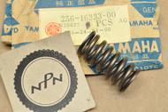 NOS Yamaha SR250 TT250 TT600 TX650 XS1 XS2 XS360 XS400 XS650 XT250 XV250 Clutch Spring 256-16333-00