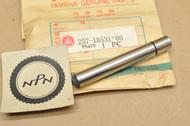 NOS Yamaha JT1 MX125 TY175 TZ125 YZ100 YZ125 YZ175 Shift Fork Guide Bar 257-18531-00