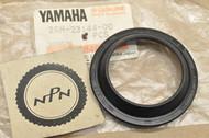 NOS Yamaha 1985-1992 VMX12 V-Max 1983-89 XVZ12 1986-89 XVZ13 Fork Dust Seal 26H-23144-00