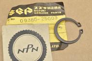 NOS Suzuki GSX1100 GSXR-750 GT380 LS650 LT-4 RM465 T305 TC350 TM250 TS250 VS800 Circlip 09380-25003