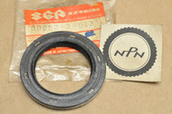 NOS Suzuki 1987-97 LT-4 WD Front Drive Shaft Outer Dust Seal 09283-38013