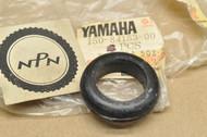 NOS Yamaha HT1 IT400 RD125 TT500 TX500 TX650 TX750 TY175 TY250 XS500 XS650 Wire Harness Grommet 150-84153-00