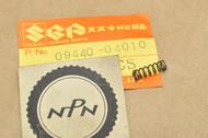 NOS Suzuki A100 GN400 GS1000 GS750 LT230 LT250 RM125 SP400 T500 TC185 TM75 TS185 TS75 VS700 Spring 09440-04010