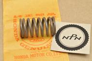 NOS Honda CA77 CB72 CB77 CL72 CL77 Valve Inner Spring 14761-265-010