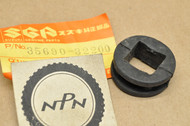 NOS Suzuki GN400 GS1000 GS750 GS850 GT750 SP370 TC185 TS250 TS400 Turn Signal Cushion 35690-32200