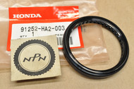 NOS Honda ATC250 ATC350 TRX250 TRX300 Fourtrax Swingarm Dust Seal 91252-HA2-003