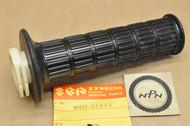 NOS Suzuki 1973-77 GT250 1972-77 GT380 1973-77 GT550 Throttle Grip with Tube 57110-33010