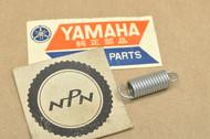 NOS Yamaha AT1 CT1 CT2 DT1 GT1 GT80 GTMX JT2 QT50 R5 RD250 RD350 RT1 YG5 YL1 YL2 Lens Spring 132-84335-60