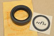 NOS Honda CB360 CB400 CJ360 CM400 CX500 Oil Seal 91255-369-000