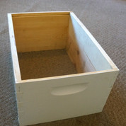 8 FRAME ASSEMBLED PAINTED DEEP HIVE BODY (PALLET QUANTITY 98) Buy two pallets & SAVE $1 PER BOX