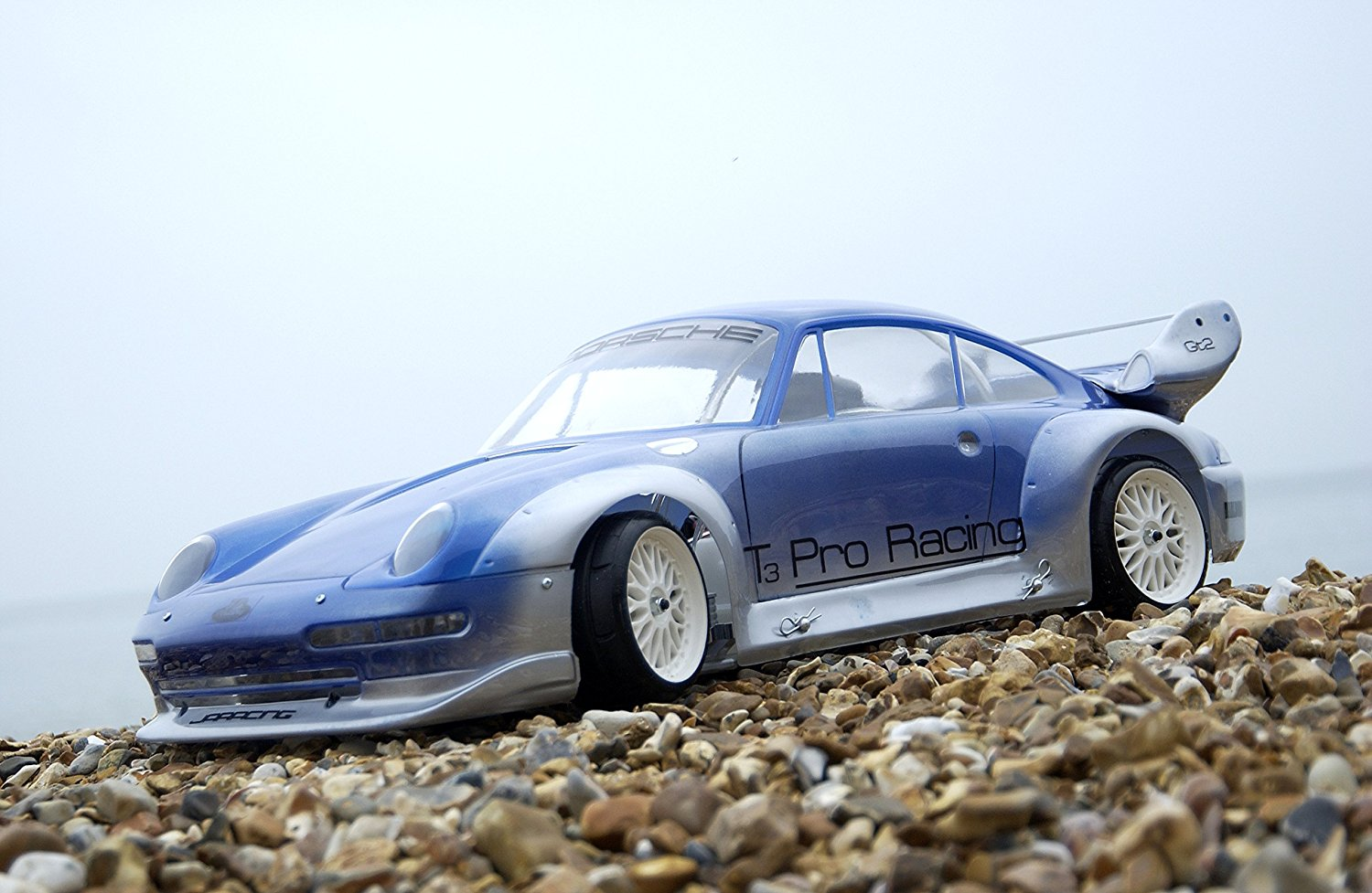 porsche-gt2-on-the-beach.jpg