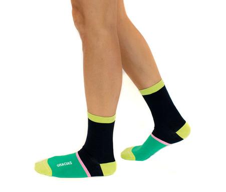 Gracias modern and inspiring socks by Posie Turner. The original mantra sock.