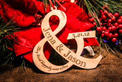 Grpn AU  - Personalized Christmas Ornament - Couple Ampersand