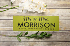 Family Sign - Mr & Mrs Newlywed Sign