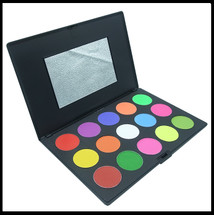 Super Brights Eyeshadow Palette x 15.