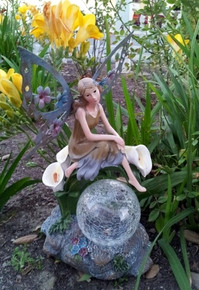 Solar Fairy Sitting on Calla Lilies with Crackle Glass Ball Light