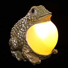 Outdoor Landscape Solar Powered Frog With Amber Belly Light