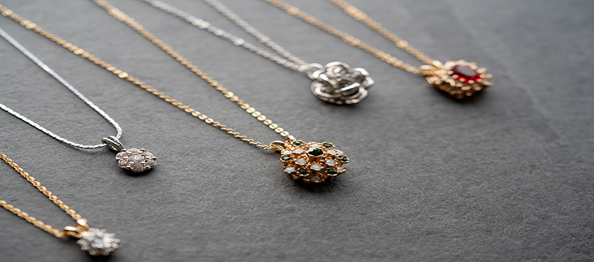 vintage necklaces - white - yellow -rose - gold - silver - gemstones - Swarovski crystals - buy online now - free shipping