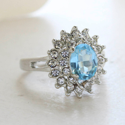 Vintage Jewelry Aquamarine Cubic Zirconia and Clear Austrian Crystals Cocktail Ring in 18kt Gold Electroplate Made in the USA