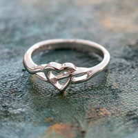 Vintage 1980s Heart 18kt White Gold Electroplated Ring Made in USA