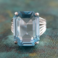 Vintage 1970s Aquamarine Austrian Crystal 18k White Gold Electroplated Cocktail Ring Made in USA