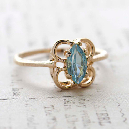 Vintage Jewelry Aquamarine Crystal Cocktail Ring Plated in 18k Gold Electroplate March Birthstone Made in the USA
