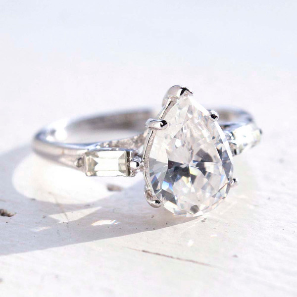 Vintage Jewelry Pear Shaped Cubic Zirconia Engagement Ring White Gold 18k  Electroplated Made in the USA