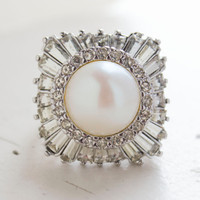 Vintage Ring Pearl Surrounded by Clear Austrian Crystals 18kt White Gold Electroplate Made in the USA