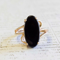 Vintage 1970s Imitation Onyx 18k Yellow Gold Electroplated Cocktail Ring Made in USA