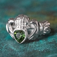 Vintage Jewelry Green Tourmaline Swarovski Crystal Claddagh Ring 18k White Gold Electroplated Made in the USA