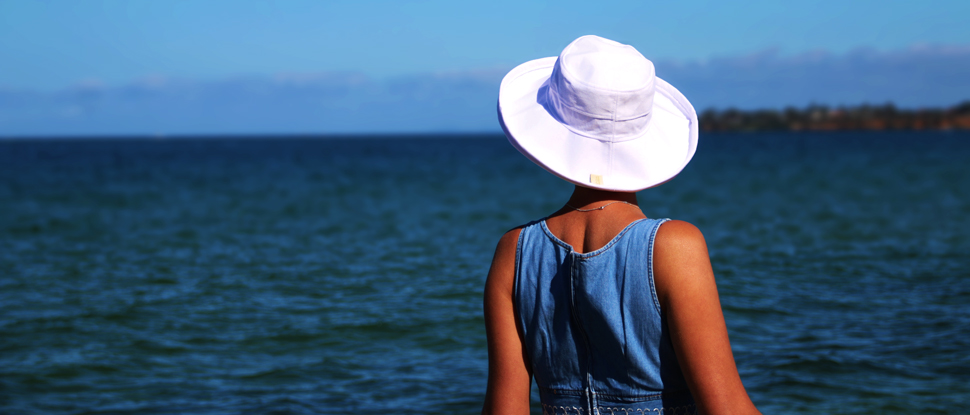 noosa-hat-white-3-beach-carousel.jpg